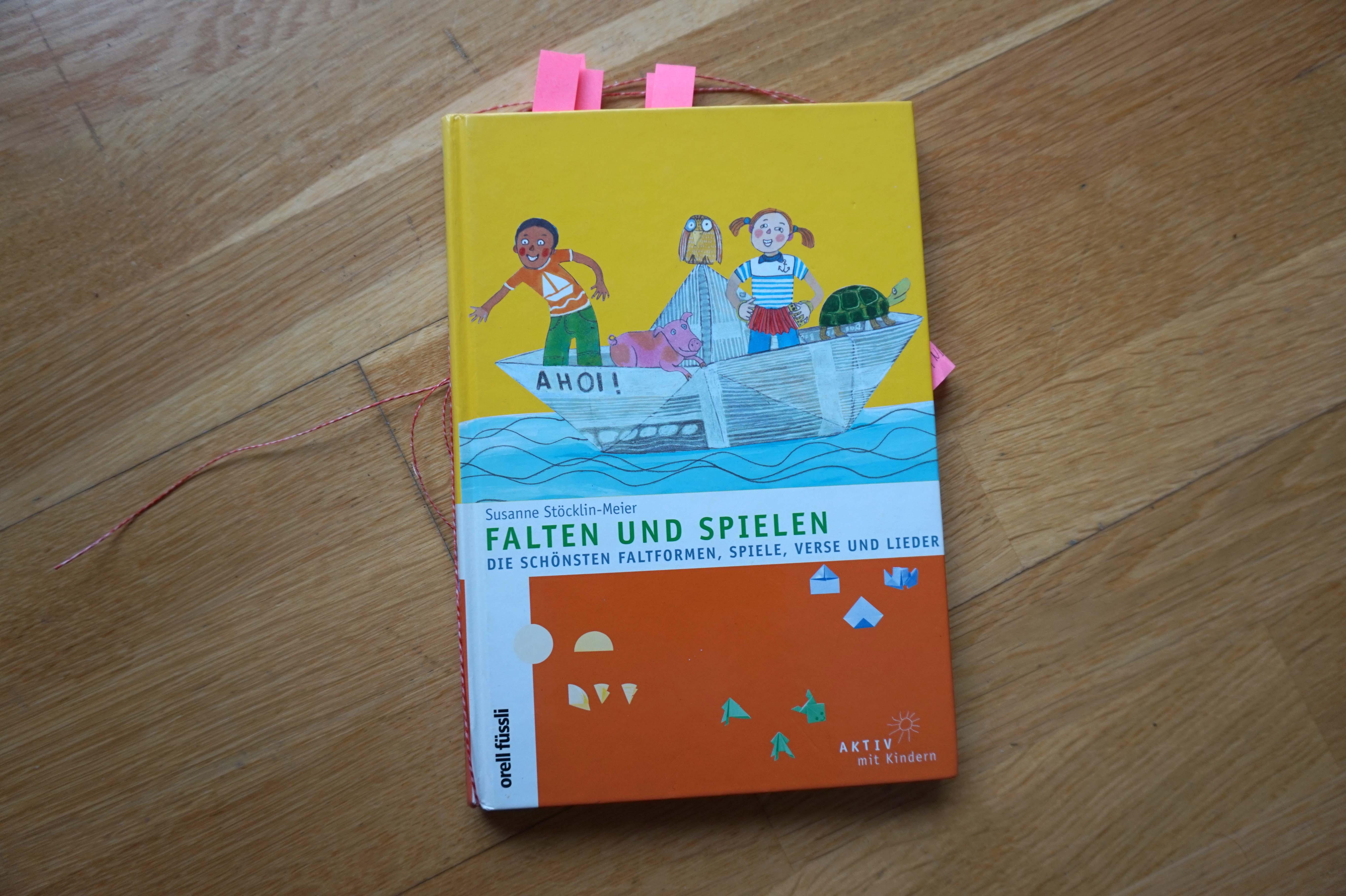 Falten und spielen| Die schönsten Faltformen, Spiele, Verse und Lieder Book Cover
